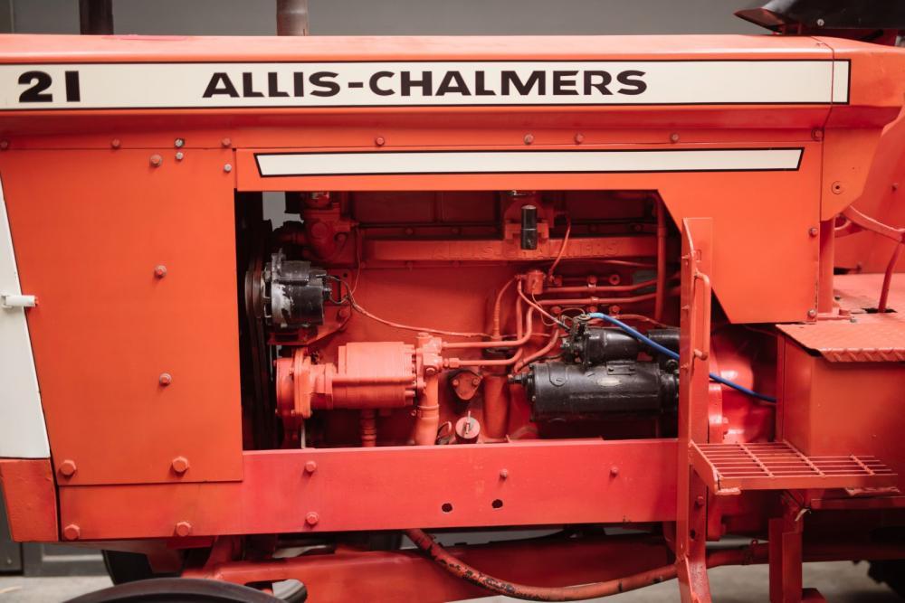 1963 ALLIS-CHALMERS D21 TRACTOR - Price Estimate: $ - $
